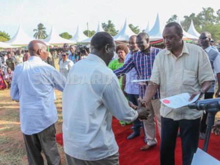 Uhuru issues title deeds